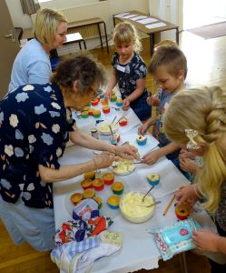Messy Church 004